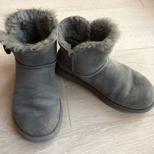Ugg Bailey Button Mini Boots in Gray Sz 6.5